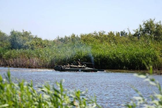 Έβρος: Επιχειρησιακή Εκπαίδευση στα Πλωτά Μέσα του Δ' Σώματος Στρατού - Εντυπωσιακές εικόνες