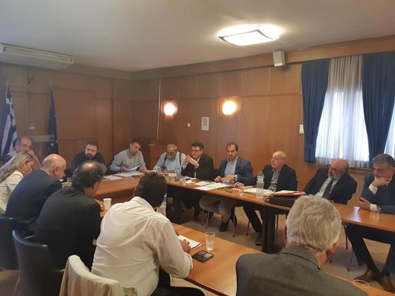 Στιγμιότυπο από τη συνάντηση στο Υπουργείο παρόντος και του Δημάρχου Αλεξανδρούπολης Βαγγέλη Λαμπάκη