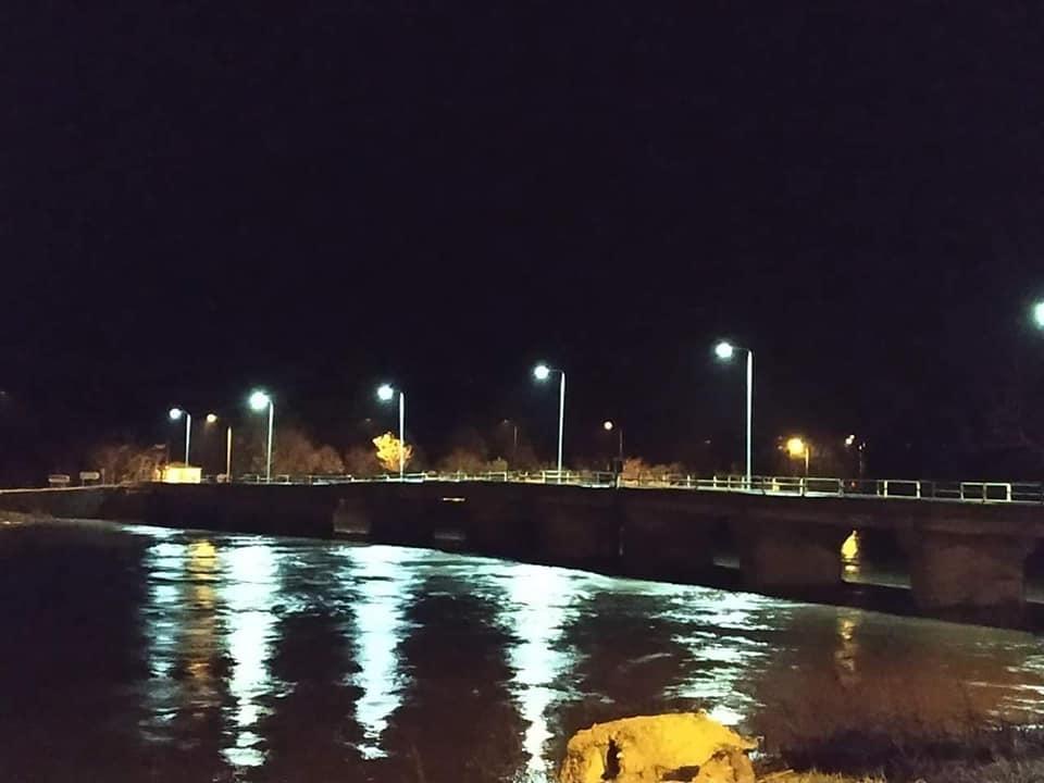 Η στάθμη στη Γέφυρα του Ερυθροποτάμου χθες το βράδυ (Φωτ.:Λ.Χρυσαφούδης)