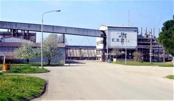Οι αγρότες διαμαρτύρονται στο εργοστάσιο της ΕΒΖ Ορεστιάδας για το «λουκέτο»