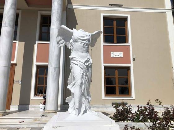 Αυτή είναι η νέα μεγαλόπρεπη «Νίκη της Σαμοθράκης» στην Αλεξανδρούπολη!