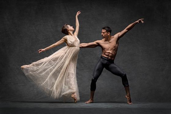 Άνδρες! Oi γυναίκες λατρεύουν αυτούς που μπορούν να τις χορεύουν όμορφα!