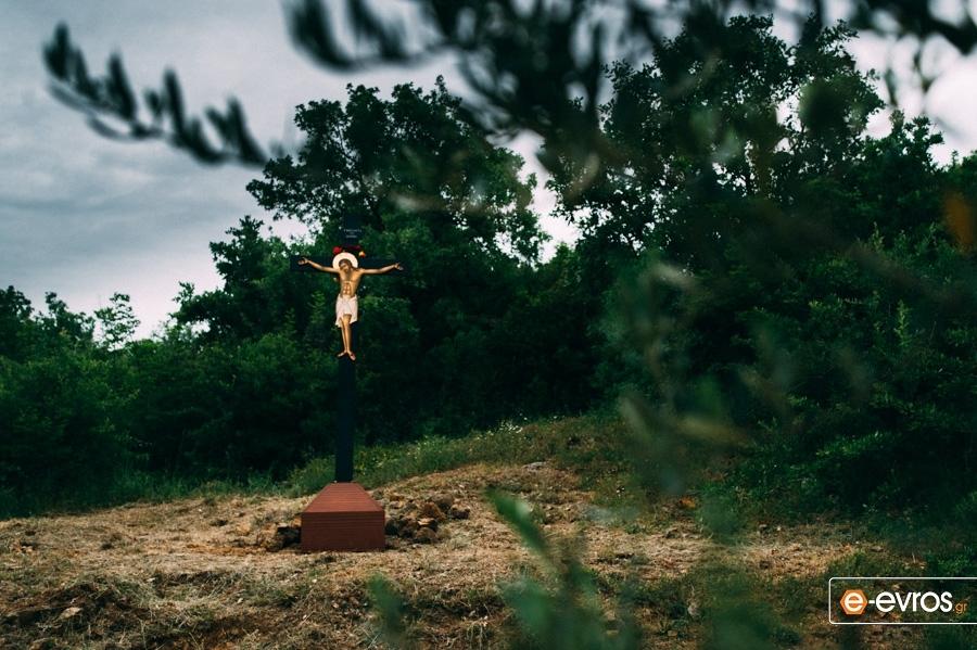 Μεγάλη Πέμπτη: Σήμερον κρεμάται επί ξύλου - Η Σταύρωση του θεανθρώπου