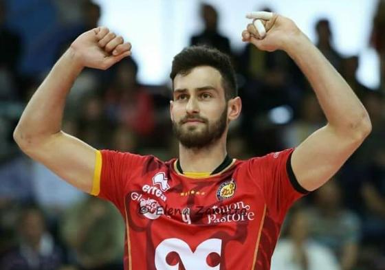 Ο 25χρονος ξεκίνησε την επαγγελματική του διαδρομή στον Εθνικό Αλεξανδρούπολης το 2010 σε ηλικία 17.
