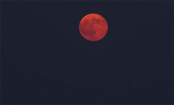 Έρχεται το «ματωμένο φεγγάρι»: Η μεγαλύτερη ολική έκλειψη Σελήνης του 21ου αιώνα