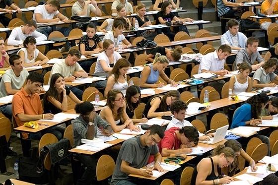 Αυξάνεται η μοριοδότηση για τις μετεγγραφές φοιτητών με πολύ χαμηλά εισοδήματα