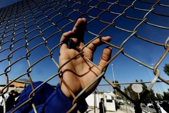 Σε ξενώνα θα μεταφερθεί ο 16χρονος Σύρος μετά την συγκλονιστική επιστολή για τις συνθήκες διαβίωσης στον Έβρο