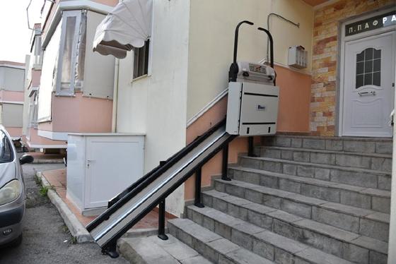 Αλεξανδρούπολη: Το ΓΕΣ τοποθέτησε ράμπα για ΑμεΑ σε σπίτι στρατιωτικού