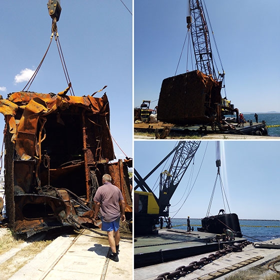 """Ανελκύστηκε μεγάλο τμήμα του ναυαγίου της βυθοκόρου """"Όλγα"""" από το λιμάνι της Αλεξανδρούπολης"""