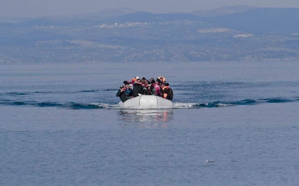 Βάρκα με 28 παράτυπους μετανάστες έφτασε στην παραλία της Μάκρης