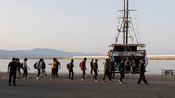 Κάθε μέρα και μια βάρκα με παράτυπους μετανάστες φθάνει στο λιμάνι της Αλεξανδρούπολης