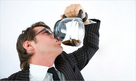 Εθισμός στην καφεΐνη: τι συμβαίνει πραγματικά;