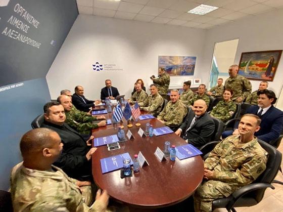 Στιγμιότυπο από τη συνάντηση στα γραφεία του Οργανισμού Λιμένος Αλεξανδρούπολης