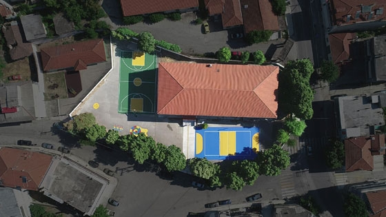 Η Ένωση «Μαζί για το Παιδί» ανακατασκευάζει δύο γήπεδα στο 3ο Δημοτικό Σχολείο Διδυμοτείχου (video)