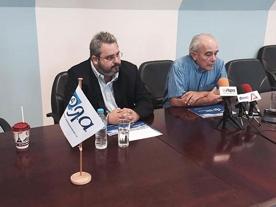 O νέος πρόεδρος του Οργανισμού Λιμένος Αλεξ/πολης, Χρήστου Δούκα, σε κοινή συνέντευξη τύπου με τον απερχόμενο, Σταύρο Σταυράκογλου.