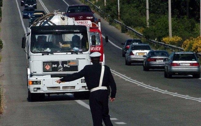 Απαγορεύτηκε η κυκλοφορία φορτηγών ωφέλιμου φορτίου άνω του 1,5 τόνου το τριήμερο του Αγίου Πνεύματος
