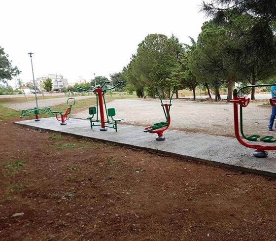 691e9cbd352 Ο Δήμος Αλεξανδρούπολης τοποθετεί νέα υπαίθρια όργανα γυμναστικής στην πόλη  (φωτό)
