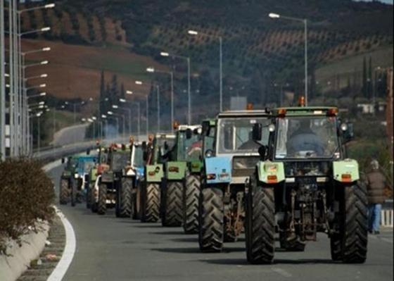 «Ζεσταίνουν» ξανά τις μηχανές των τρακτέρ τους αγρότες και κτηνοτρόφοι.