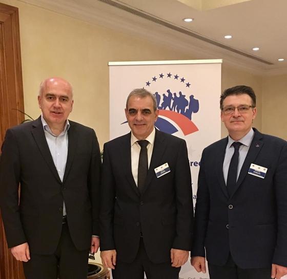 Ο Περιφερειάρχης ΑΜΘ κ. Χρήστος Μέτιος και ο Αντιπεριφερειάρχης της Περιφερειακής Ενότητας Έβρου κ. Δημήτρης Πέτροβιτς συναντήθηκαν και με τον κ. Γιάννη Καπάκη Γενικό Γραμματέα Πολιτικής Προστασίας .